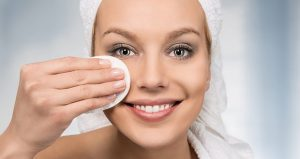removing makeup beofre falling sleep